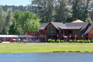 Canyon Lake Resort :: A rustic resort with cabins, lodge and motel rooms. Family-friendly. Complimentary wine tasting! Free paddle boat rides! Biking and hiking trails!