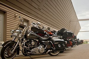 Iron Horse Inn - Motel specials for Sturgis :: Excellent value lodging year-round, w/covered access parking for cars & bikes. Close to Spearfish, Bear Butte Park and Sturgis. Dining & stores close by.