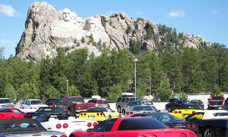 Corvettes visit Mount Rushmore